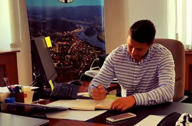 Upoznajte najmlađeg gradonačelnika (28) u Hrvatskoj, koji je još uvijek student te najmanje plaćen čelnik nekog grada