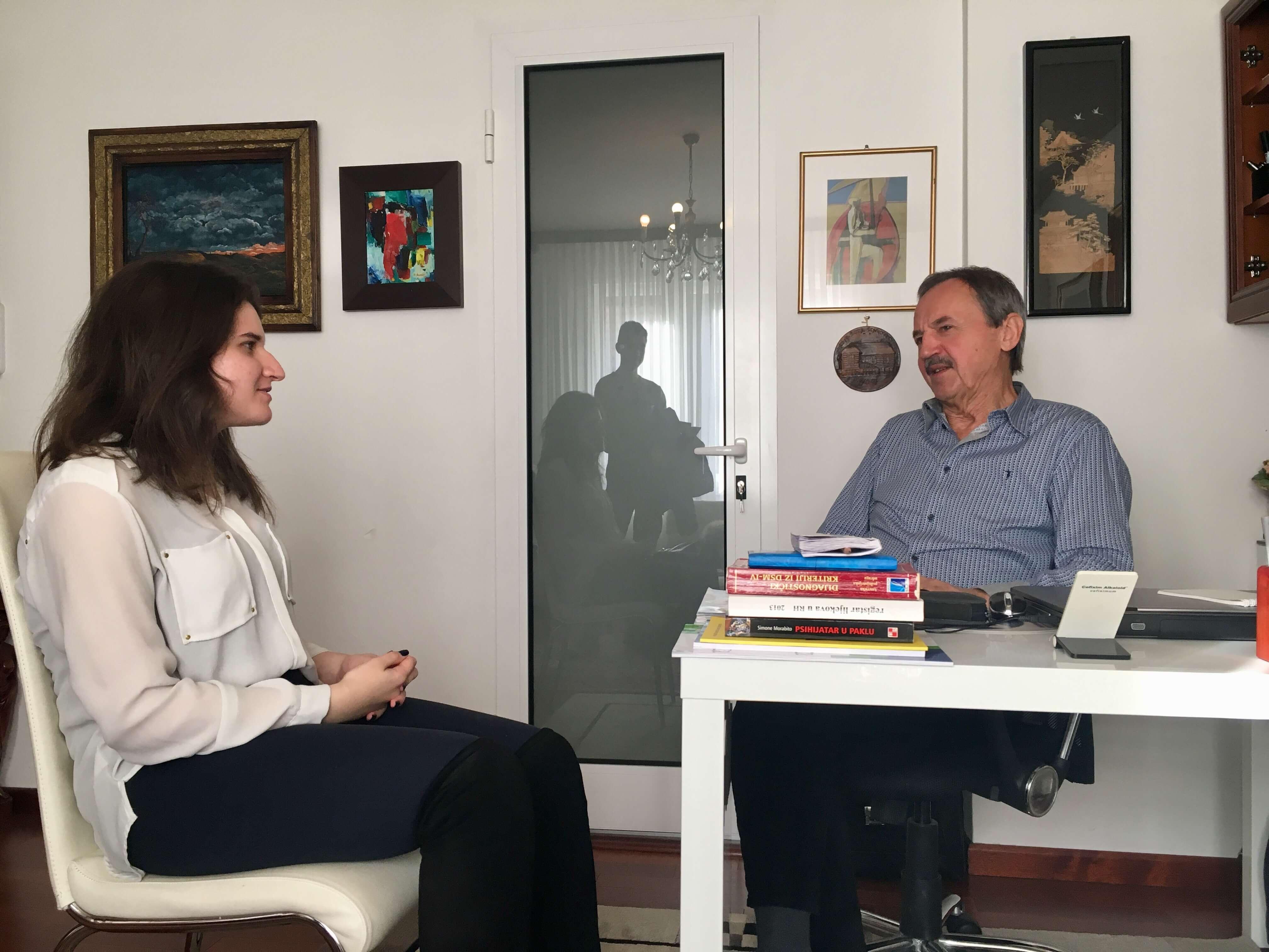 [INTERVJU] Psihijatar dr. Sakoman koji je liječio brojne poznate ličnosti: 'Mi misaono možemo putovati u neviđene sfere'