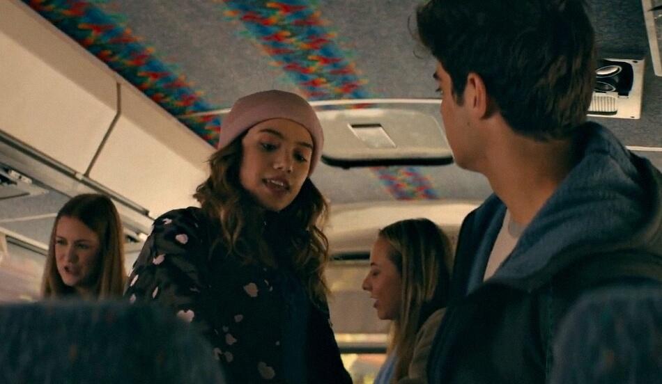 Djevojka dobila menstruaciju u busu, a brza reakcija nepoznatog dečka sve je zapanjila