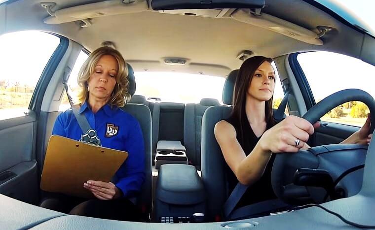 [Zadatak dana] Svi koji su prošli vozački ispit morali bi znati odgovor na ovo prometno pitanje