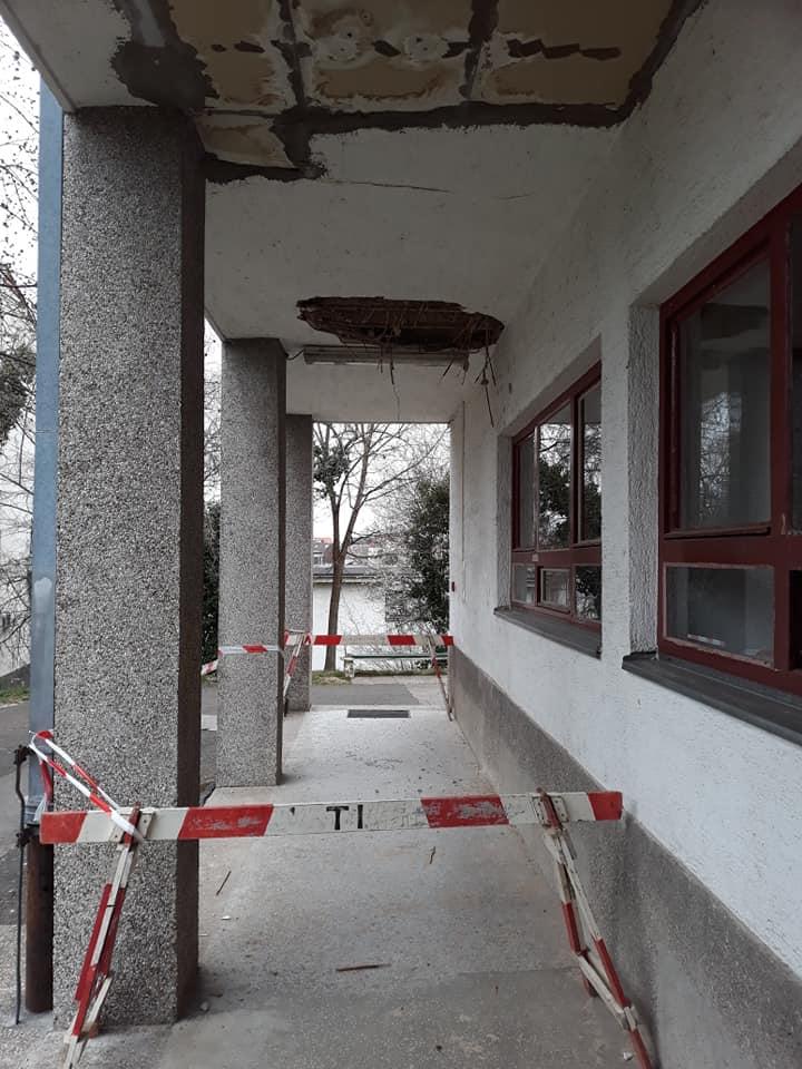 [FOTO] Srušio se dio stropa na ulazu u zagrebački studentski dom