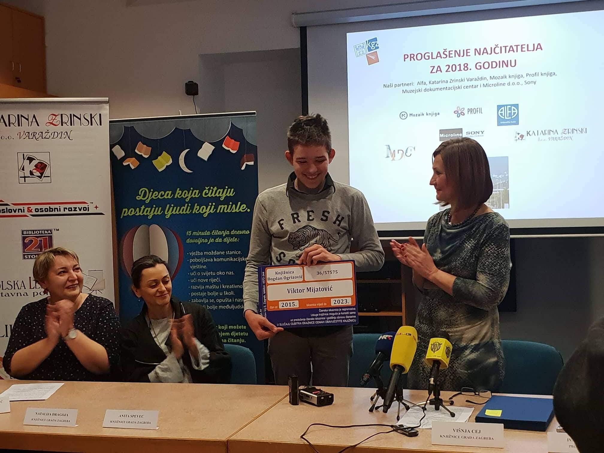 Čita gdje god stigne: Najčitatelj u Zagrebu je 13-godišnjak koji je u godinu dana 'progutao' 165 knjiga