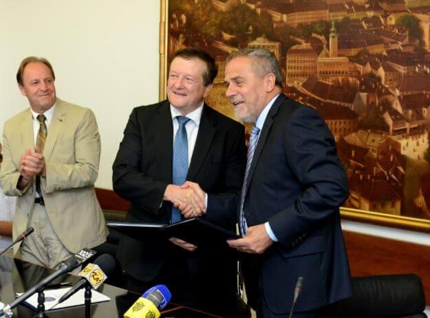 Prosvjedovat će se zbog Bandićevog doktorata: Dosta je zlurade okupacije Sveučilišta!