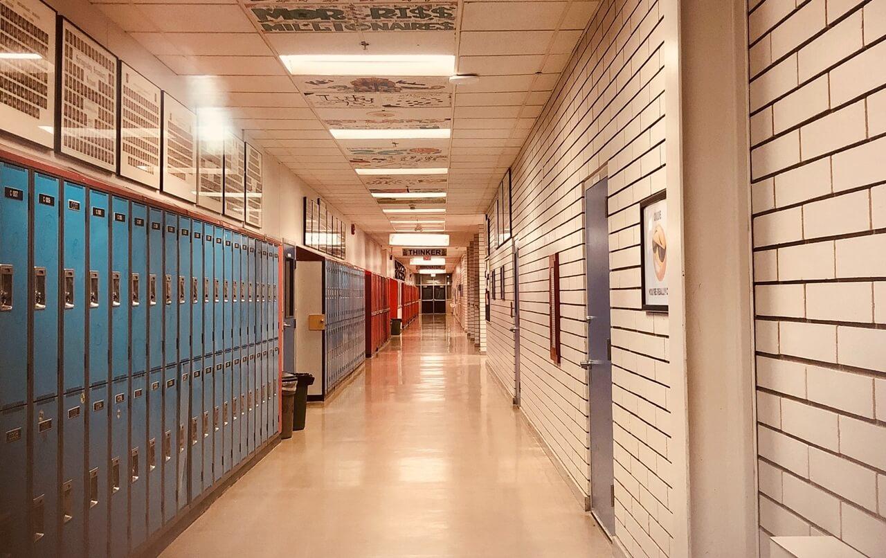 I jedna srednja škola dobila opomenu inspekcije zbog dežurstva učenika pa ukinula tu praksu