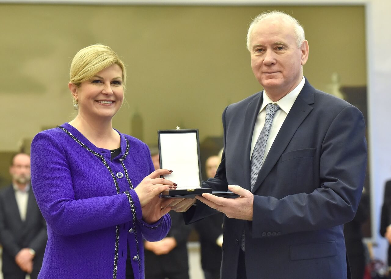 Sindikat o odlikovanju Čovića: Nećemo se čuditi ako predsjednica postane profesorica na Hrvatskim studijima