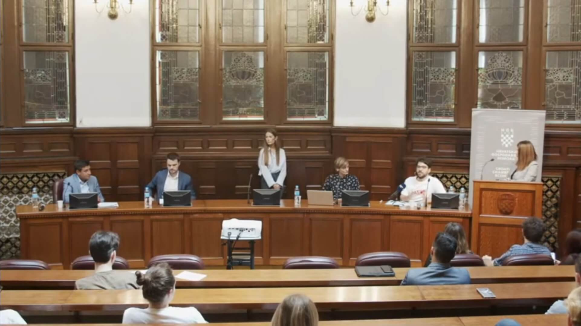 Mladeži političkih stranaka na predizbornom sučeljavanju: Mlade treba više uključiti u politiku
