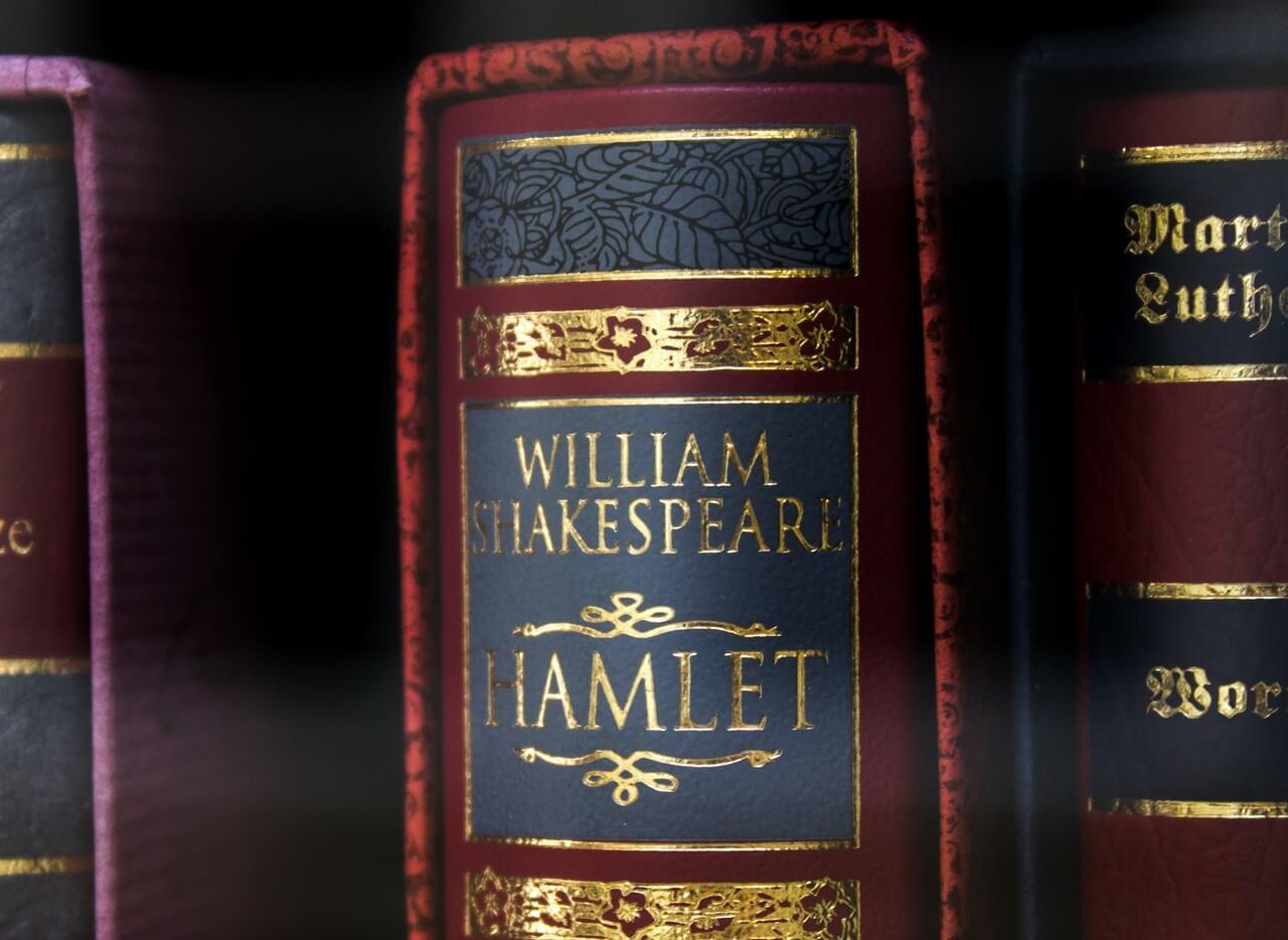 [Zadatak dana] Maturanti koji sutra pišu esej morali bi znati odgovor na pitanje o Hamletu