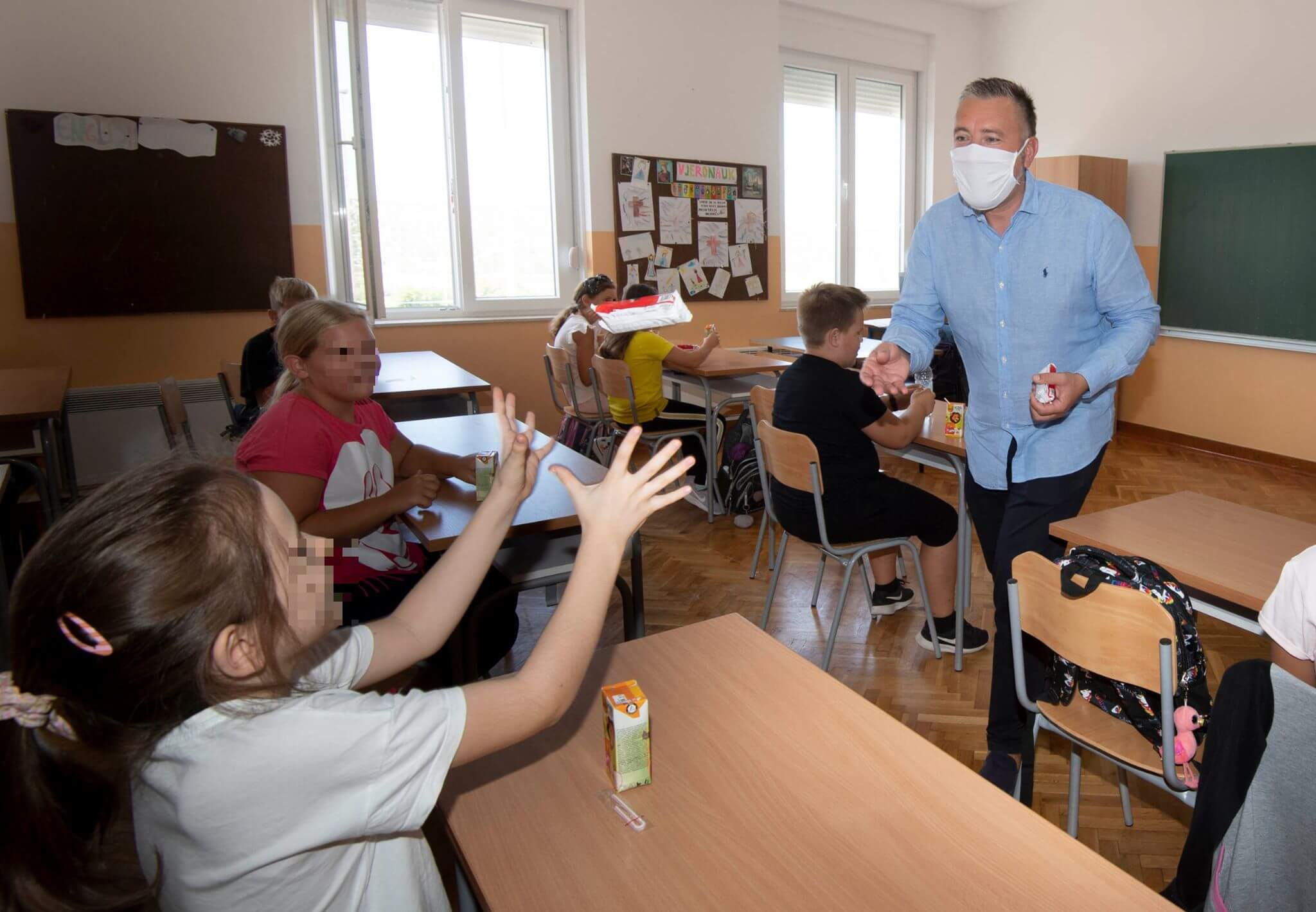 Ima li ljepše priče za prvi dan škole? Mala otočna škola zbog povećanja broja učenika morala je uvesti dodatnu učionicu