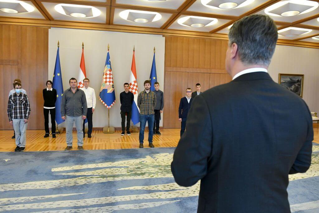Redovito se vraćaju s medaljama: Predsjednik primio nagrađene mlade informatičare