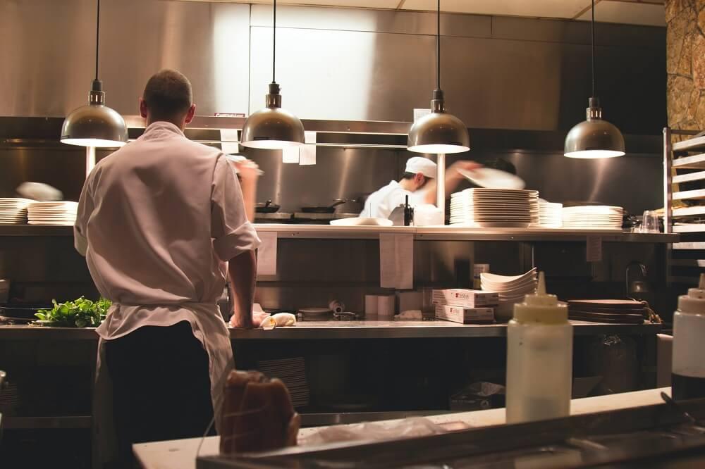 Nastavnici će zamijeniti mjesta s učenicima: Ići će na praksu za kuhara, konobara, mesara