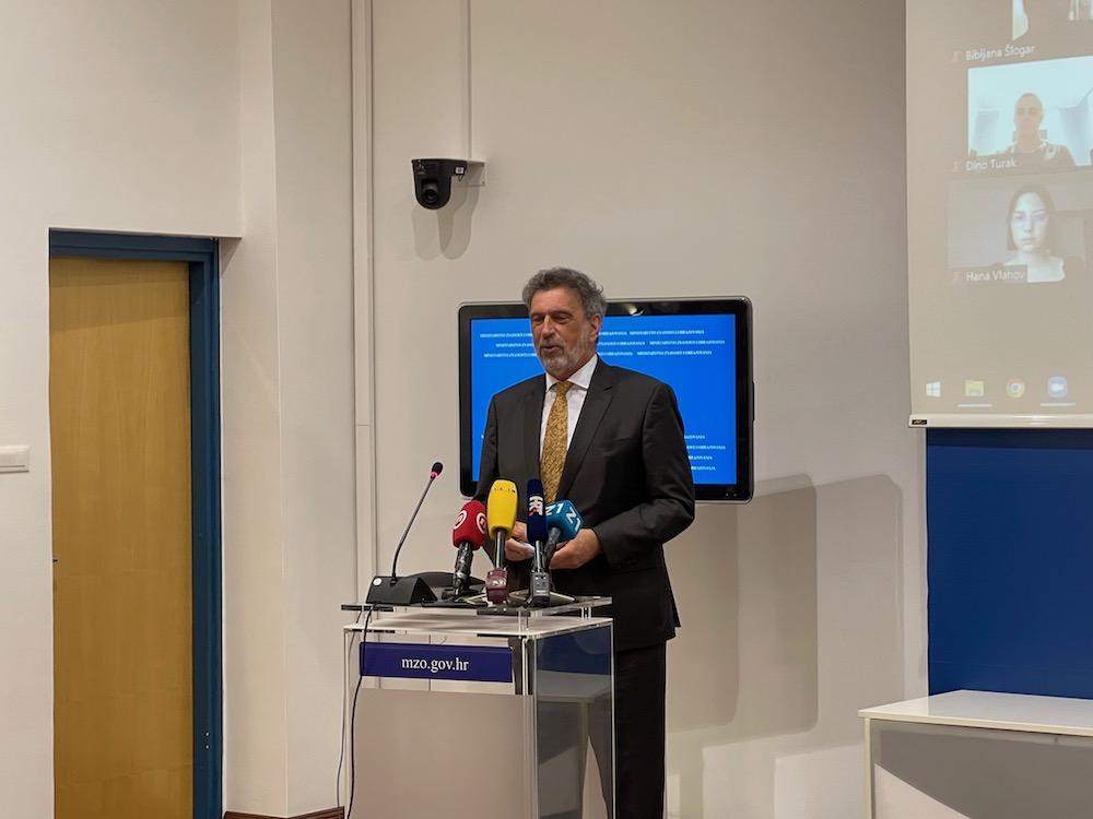 Ministar Fuchs: Radi se na novom predmetu za učenike koji ne žele na vjeronauk