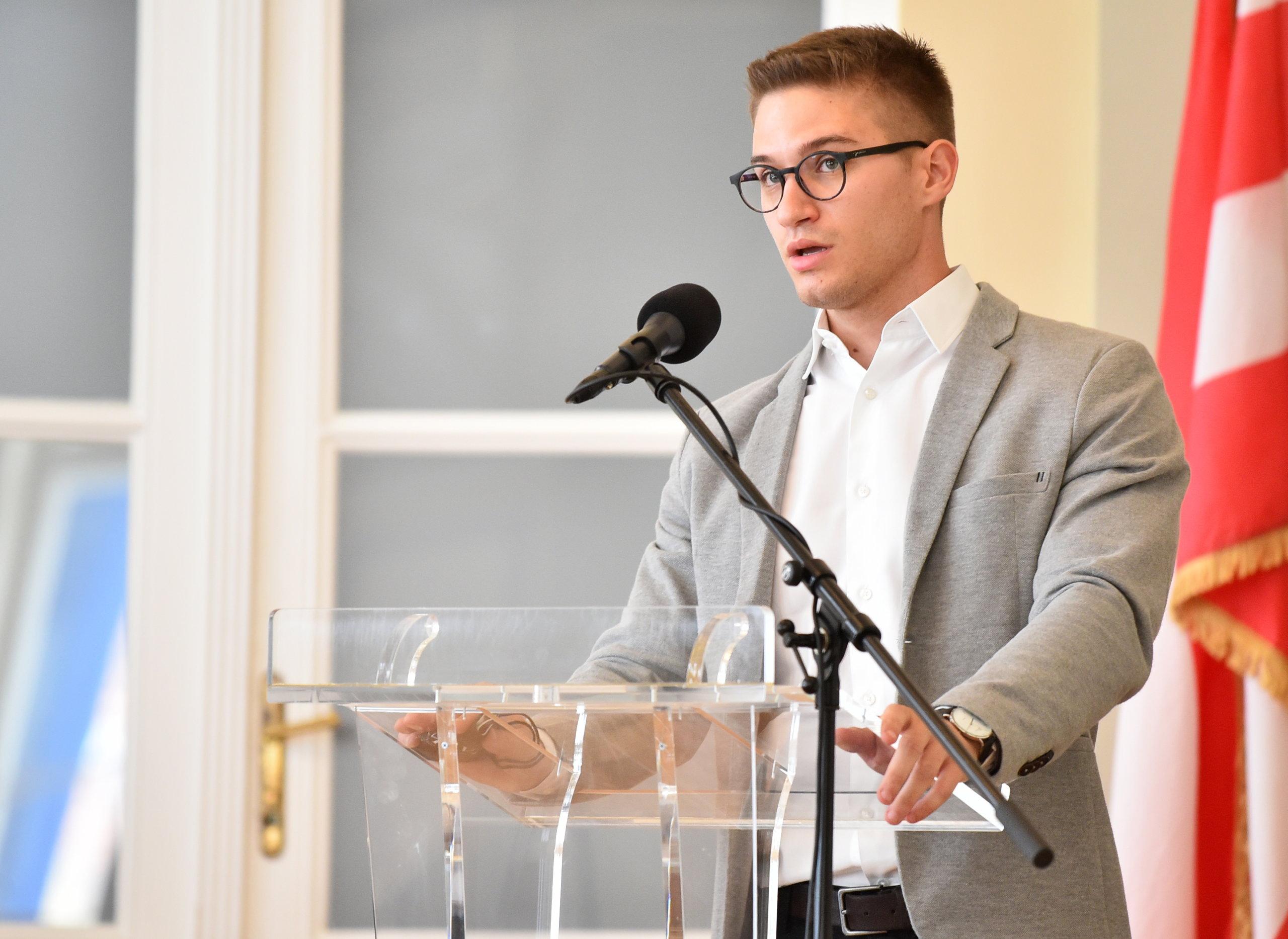 Hrvatski grad financirat će uloške za socijalno ugrožene učenice: 'Nadam se da će naš primjer slijediti i drugi'