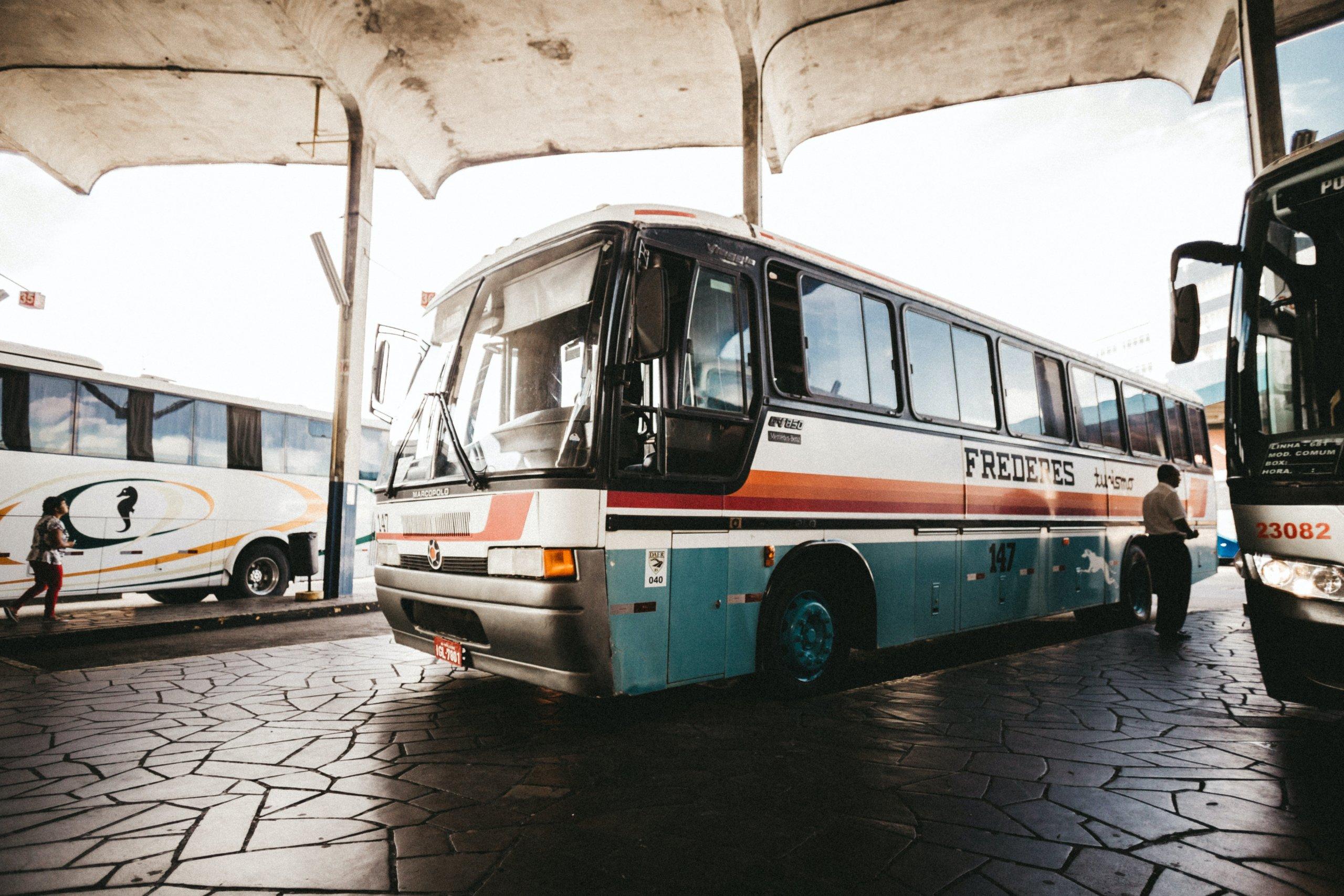 Kratka horor priča: Duge vožnje busom ljeti