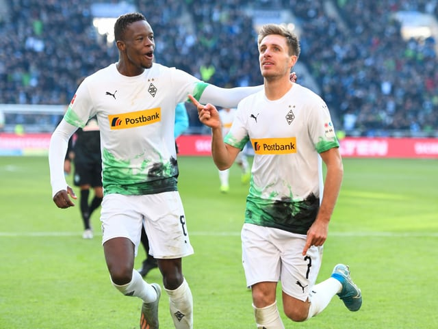 Denis Zakaria (left) and Patrick Herrmann are happy about the 3: 0.