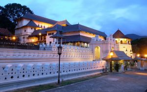 round tour kandy anuradhapura