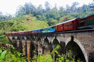 Nine arch bridge Ella sri lanka