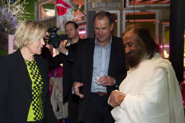 Sri Sri in an informal conversation with Liv Tørres and Knut Skeie Solberg