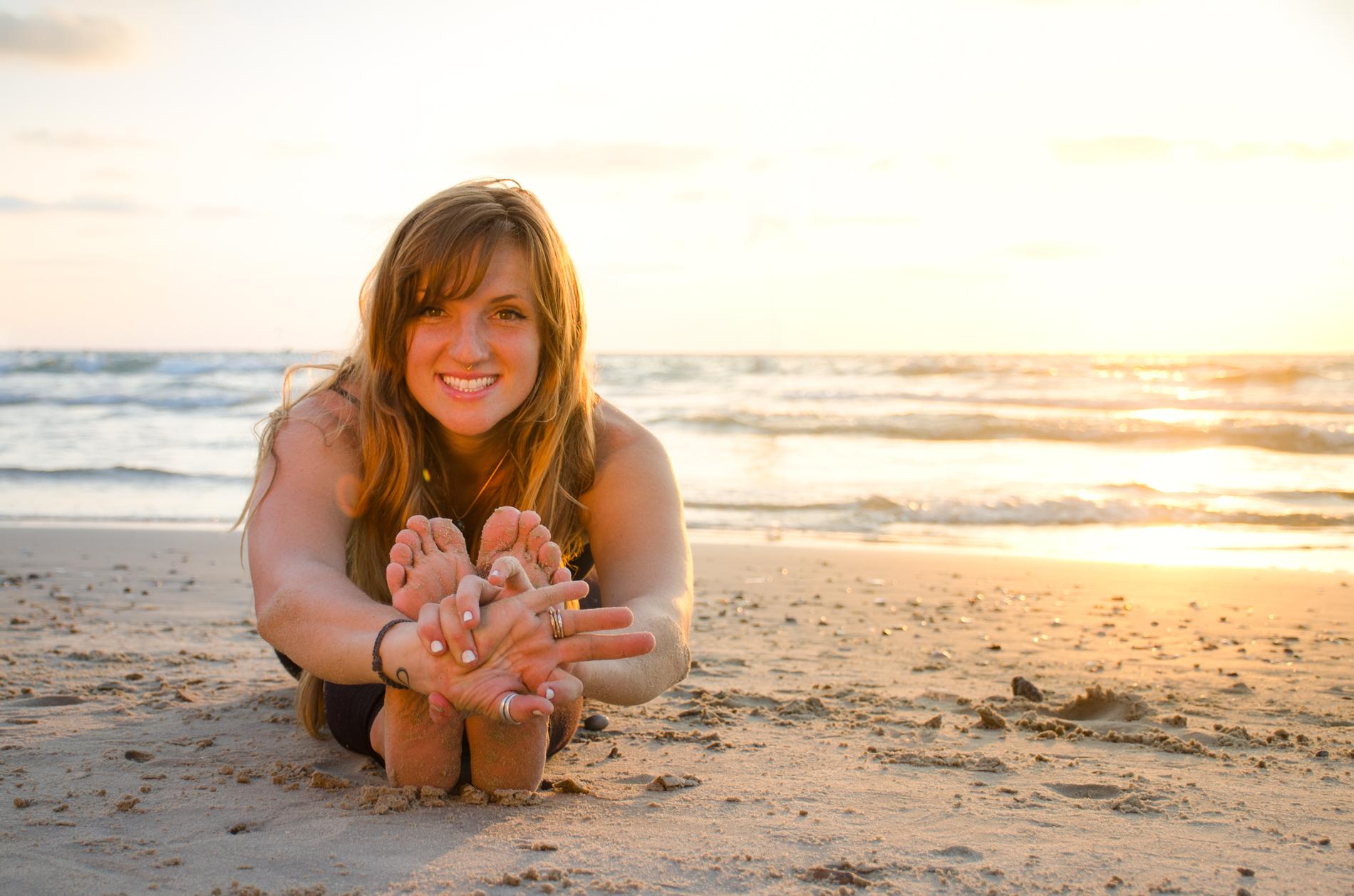 Sesion de fotografia de yoga en la playa