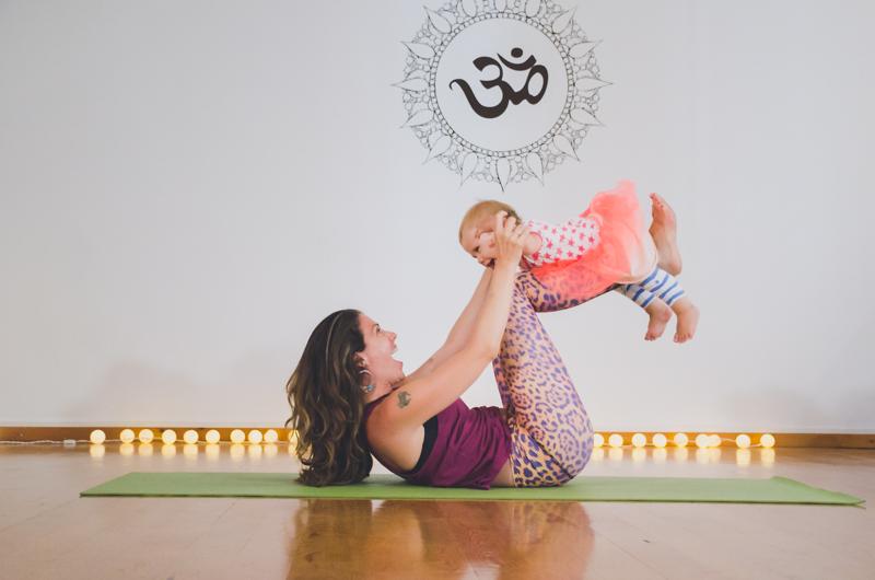 Sesion yoga con niños