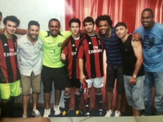 Samba Tri e Ronaldinho Gaúcho. Foto: Divulgação/MF Assessoria