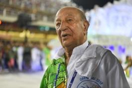 Anísio Abraão David, presidente de honra da Beija-Flor, durante desfile de 2018. Foto: Juliana Dias/SRzd