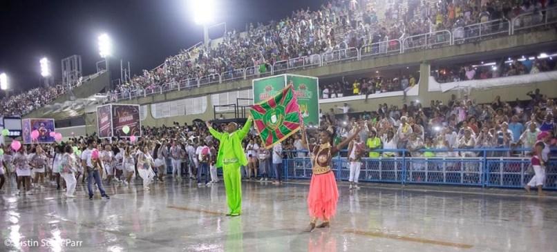 Primeiro casal de mestre-sala e porta-bandeira da Mangueira, Matheus Olivério e Squel Jorgea, no ensaio técnico 2019. Foto: Justin Scott Parr