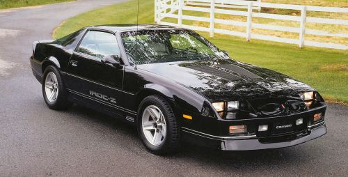 small resolution of in 1987 chevrolet offered both the 305ci lg4 and lb9 v8s with 5 speed manual transmissions in the iroc z the new 350ci l98 engine however was limited to