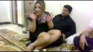 قواد سعودي جايب قحاب وينيك فيهم قناتة التليجرام
