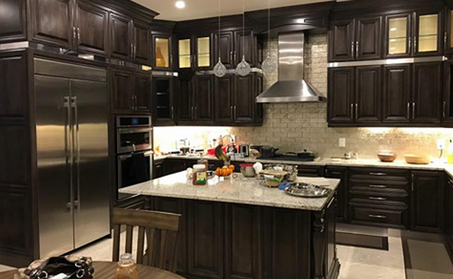 custom kitchen cabinetry porcelain tile floor cabinets brampton toronto mississauga burlington ontario