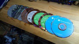 9枚のWindowsインストールメディア