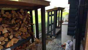 薪小屋、物入れ大移動
