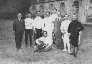 Atleti della S.S. Lazio Scherma a Frascati l' 8 Agosto del 1923.