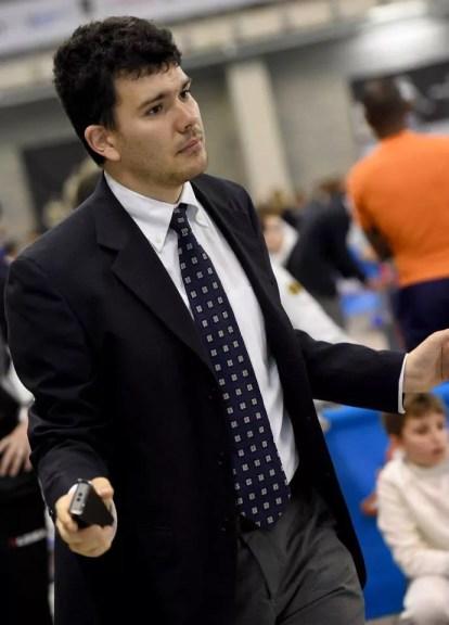 Riccione GPG 29.04.2015 Giacomo Emanuele Di Giulio impegnato nell'arbitraggio (foto Bizzi per Federscherma)