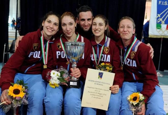 Ancona 6.5.2016 Serie A2 Sciabola Femminile Sofia ciaraglia e la squadra delle Fiamme Oro  (foto Trifiletti per Federscherma)