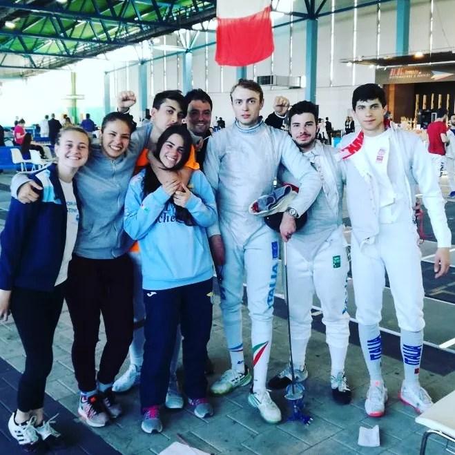 05.05.2017 Caorle Serie A2 Foto di gruppo del M° Guido De Bartolomeo con i componenti delle squadre di fioretto maschile e femminile