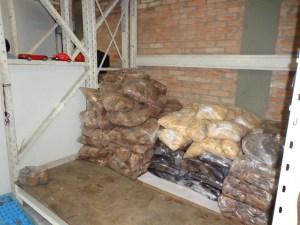 Mais de seis toneladas de alimentos irregulares foram apreendidos durante a operação