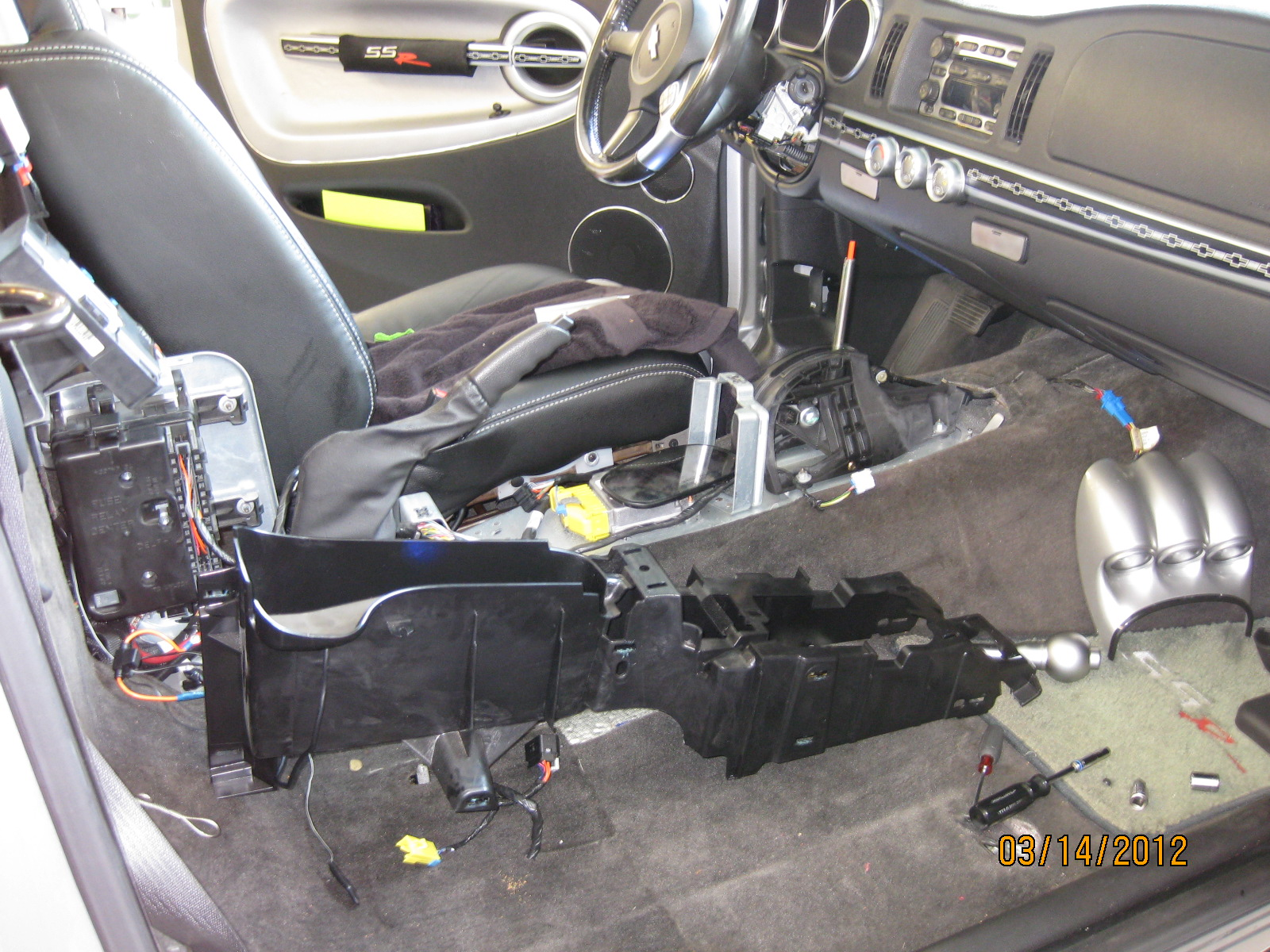 hight resolution of shift lock control actuator pictures chevy ssr forum2003 envoy center console wiring diagram 7