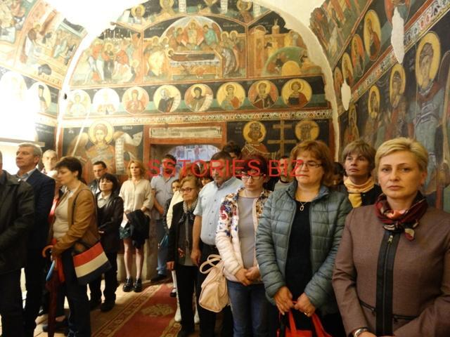 Вечерна служба в средновековната църква