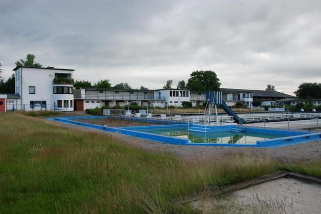CDU und SPD für Bau eines Ganzjahresbades an Lütmarser Straße – Bürgerbad im Brückfeld vorgeschlagen
