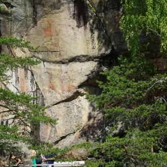Astuvansalmen kalliomaalauksilla