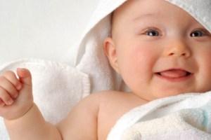 النصائح العشر للأم للتعامل مع الطفل حديث الولادة.