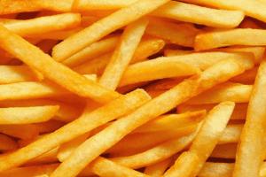 طريقة عمل البطاطس المقلية المقرمشة
