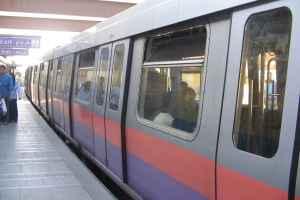 """حلاق يهدد بتفجير مترو الأنفاق بـ""""حزام تخسيس"""""""