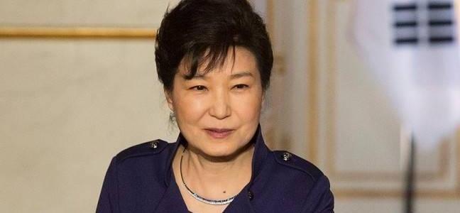 برلمان كوريا الجنوبية يُجمد سلطات رئيسة البلاد..والأخيرة تعتذر