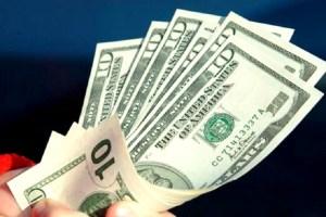 تعرف على تأثير تثبيت سعر الدولار الجمركي على الأسعار والسوق
