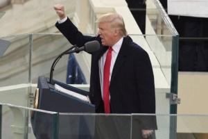 الرئيس الأمريكي دونالد ترامب يصدر أمراً بالانسحاب من اتفاقية الشراكة عبر المحيط الهادي
