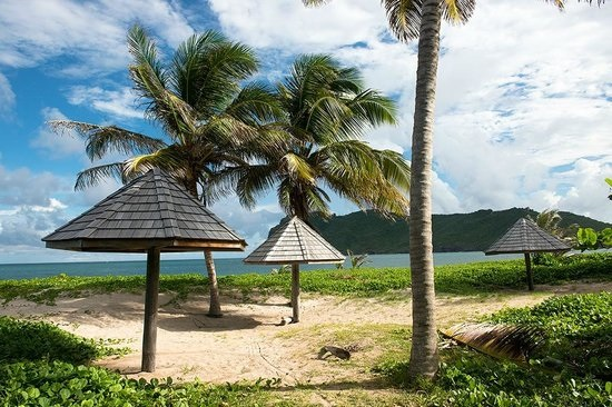 sandy-beach in st lucia
