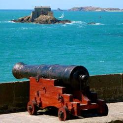 canon à St-Malo