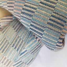 sjaal met beige en blauw patroon