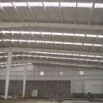 Iluminación Natural en Cubiertas y Muros Industriales 4